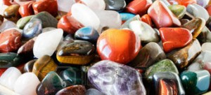 37310456-pierres-semi-pr-cieuses-color-es-ou-des-pierres-pr-cieuses